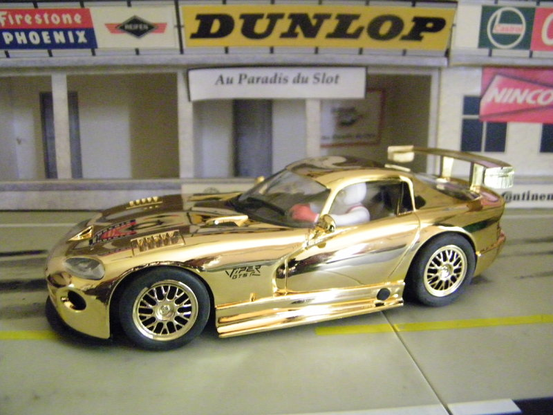 CHRYSLER VIPER GTS R GOLD