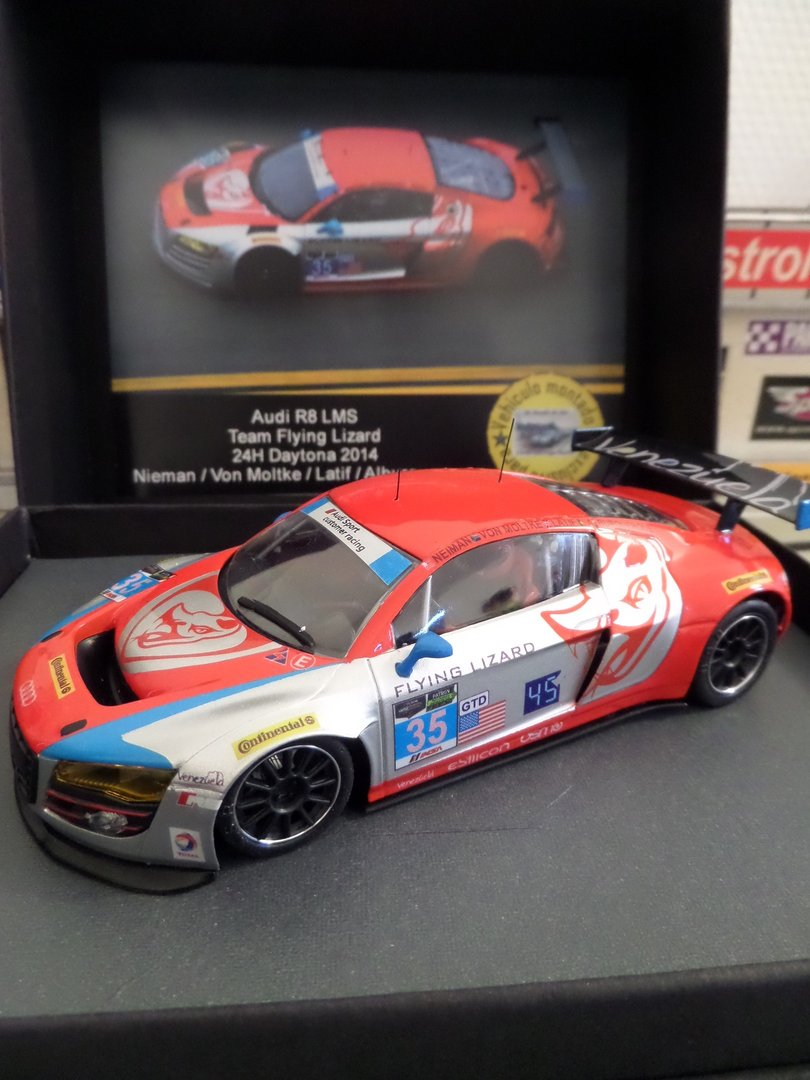 AUDI R8 FLYING LIZARD 2014